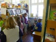 Grundschule Ründeroth besucht die Bücherei, April 2015